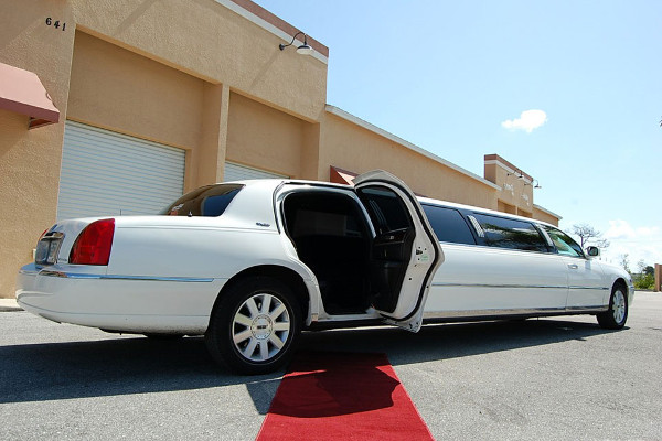 Lincoln Stretch Limo Tucson